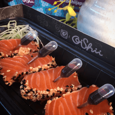 Sashimi na crosta de gergelim