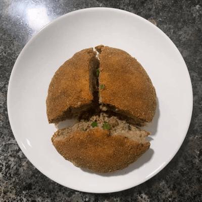 Bolinho de carne recheado