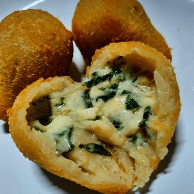 Coxinha de Espinafre com Gorgonzola - 25und