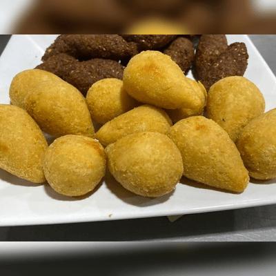 Coxinha de Frango com Mussarela | 12 Unidades