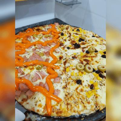 Pizza Média