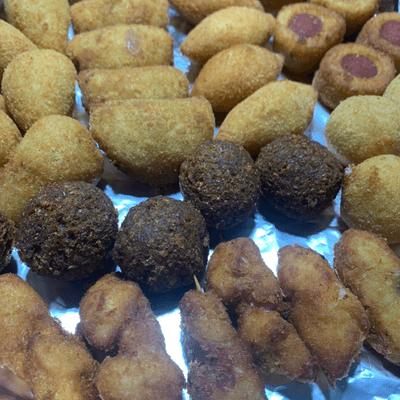 SALGADO FRITO(50 salgadinhos variados )