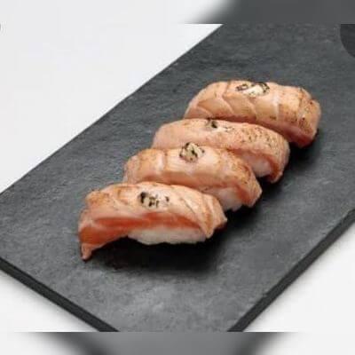 Sushi de Salmão Maçaricado | 4 Unidades