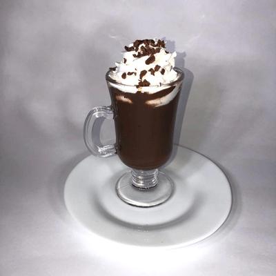 Chocolate Quente Cremoso com Chantilly