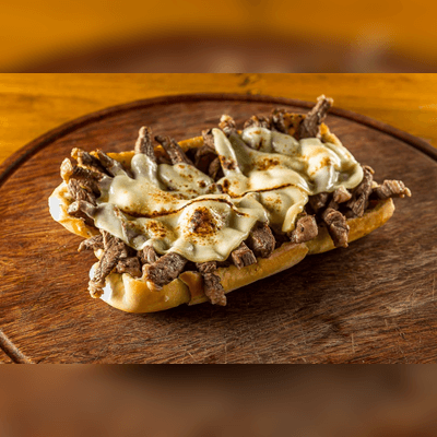 Pão de Alho Recheado com Filé Mignon e Queijo