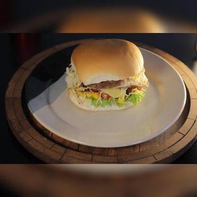 Hambúrguer Especial com Ovo