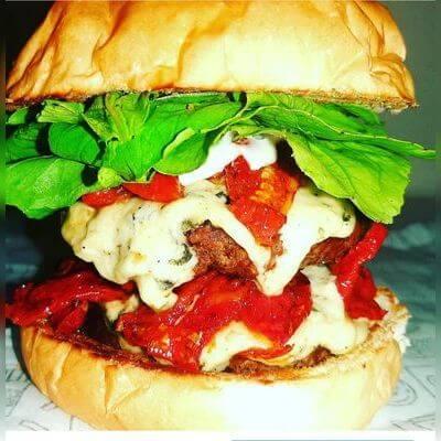 07 - Capresse Burger