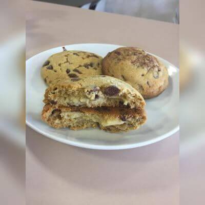 Cookie Gotas de Chocolate Recheado