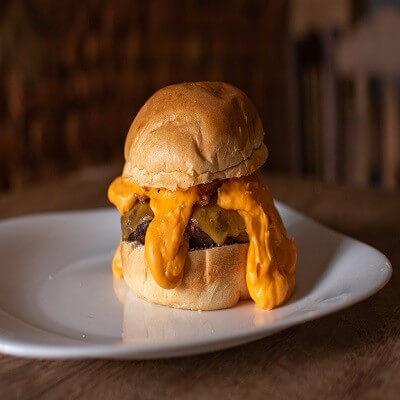 Cheddar Burger - LEVE E AVELUDADO