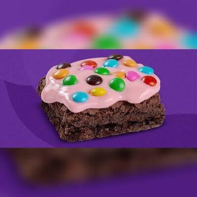 Rainbow - Brownie com Creme de Morango e Disquete