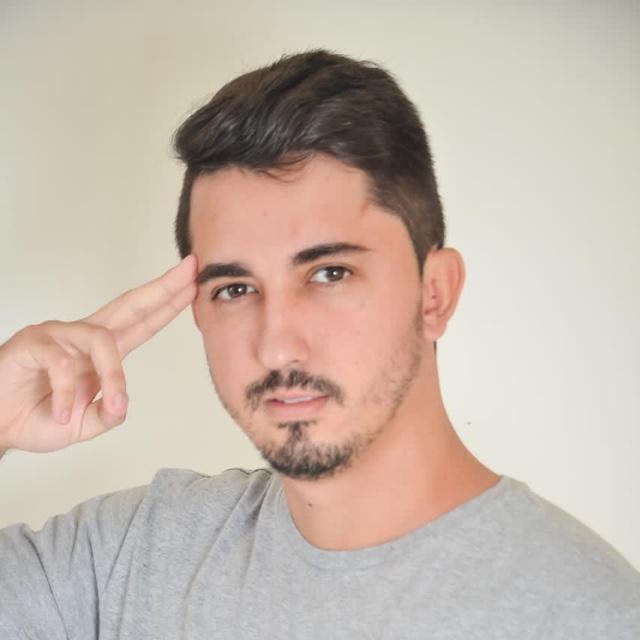Vinícius Peixoto Braga Breder