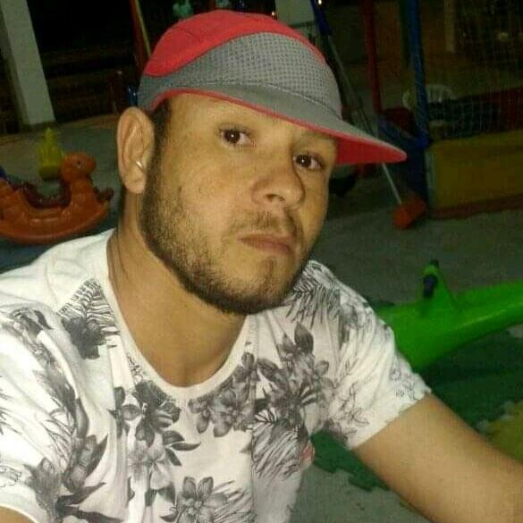 Carlos Eduardo Oliveira