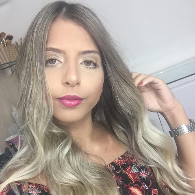 Thayná Ribeiro Loures